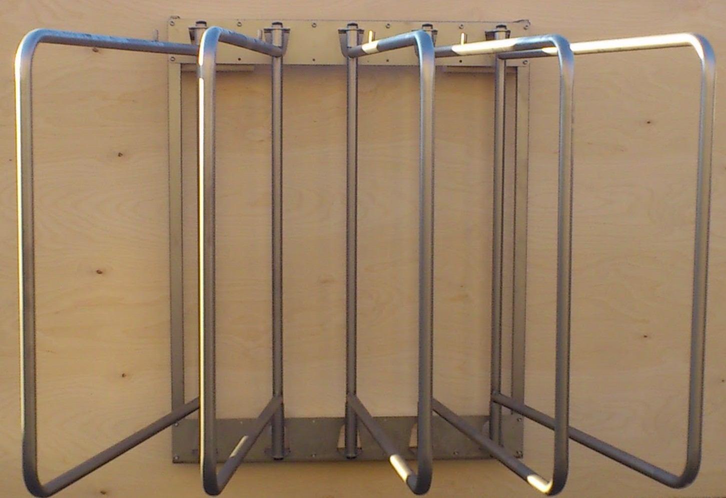 Porta coperte pieghevole aeqz stable equipment - Porta pieghevole ...