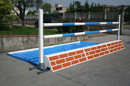 Fences for water jumps